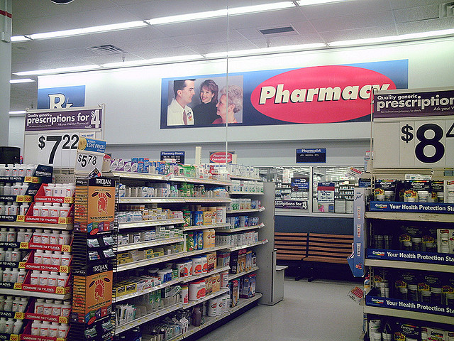 picture : Pharmacy by Clean Wal-Mart on Flickr