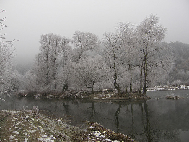picture : Struma River in Winter by Klearchos Kapoutsis on Flickr.com