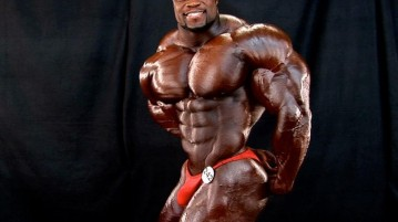 smiling_muscle_man_by_n_o_n_a_m_e-d4v00on